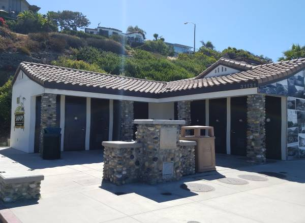 Aliso Beach Park Restrooms Photos Laguna Beach California
